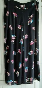 Ladies Wide Leg Floral Trousers,  Zip Fastening,  Colour Black, Size 16 New Look