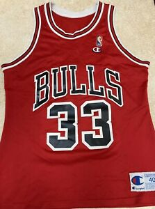 Vintage Champion Scottie Pippen Jersey Chicago Bulls #33 NBA VTG90 Size 40 Red