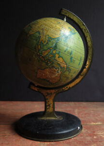 1950's TIN WORLD GLOBE, WITH NICE PERIOD COLOUR AND AGEING