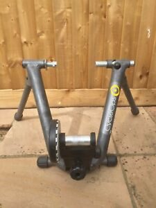 CYCLOPS TURBO TRAINER INDOOR CYCLING WITH REMOTE FRICTION ADJUSTMENT