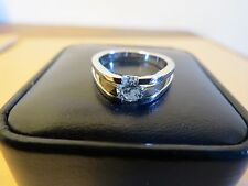 14K WHITE GOLD WITH DIAMOND RING