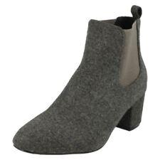 Botas de mujer textil de color principal gris