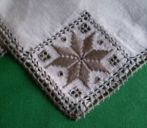 6 BEIGE LINEN EMBROIDERED AND CROCHET NAPKINS