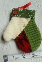 VINTAGE fabric CHRISTMAS ORNAMENT MITTEN • Pre-owned • So cute!
