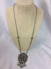 Beautiful Vtg Goldette Cameo Glass Silver Tone Pendant Necklace