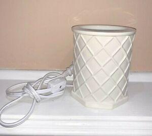 YANKEE CANDLE Ceramic Electric Tart Wax Melt Warmer Burner Ivory Diamond Design