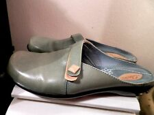 CLARKS  WOMEN'S SHOES MULES SIZE- 7,5 M LT.GREEN 100% GENUINE LEATHER COMFY!