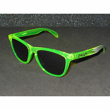 New* Oakley Deuce Coupe Frogskins Sunglasses Sulphur/Black Iridium Retro Green