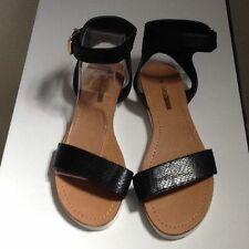 Narrow (AA, N) Casual Textured Shoes for Women
