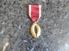 belle medaille belge palme couleur or..