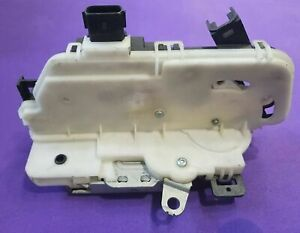 Door lock actuator latch Ford F150 09-14 Escape Mustang Focus front right RH