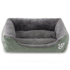 Couchage, paniers et corbeilles vert en tissu pour chien