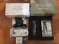 PSP 2000 Crisis Core Final Fantasy 7 Limited Silver Console Japan + earphone F/S