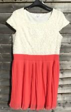 Size 16 White Daisy And Pleated Coral Dress
