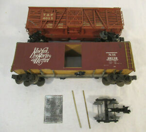 2 O Scale Vintage Freight Cars - All Nation 40' Box Car - Walthers 40' Stock Car