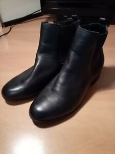 Black Foot Glove Ladies Boots Size 9 wide fit.