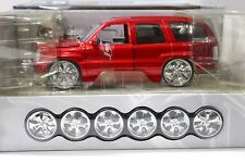 1:18 jada Cadillac Escalade Dub City Red 2002 kit sp New en Premium-modelcars