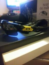 EUC OAKLEY LIVESTRONG FLAK JACKET XLJ JET BLACK/YELLOW FRAME W/BLACK IRIDIUM