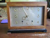 Vintage Seth Thomas Wood Case Mantle Clock Model E515-003 Excellent Condition