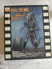 Halcyon Movie Classics Model Kit Alien Warrior with Base and Egg