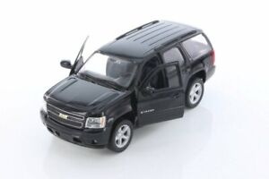 2008 Chevy Tahoe, Black - Welly 22509/4D - 1/24 Scale Diecast Model Toy Car