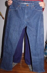 Men's  Vintage Copper Rivet   Wrangler   Blue  Denim  Jeans  Size 31 x 31