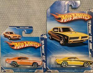 HOT WHEELS 2010 MUSCLE MANIA SERIES '69 PONTIAC GTO JUDGE SHORT CARD AND REGULAR