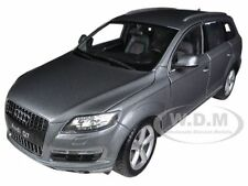 AUDI Q7 GREY 1/18 DIECAST MODEL CAR BY WELLY 18032
