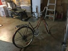mint condition 1970  Schwinn sunurban bike with new seat book rack new breaks