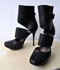 LANVIN Paris Cutout Leather Ankle Boots Heels Black Sz 39.5 Rare 2010 Collection