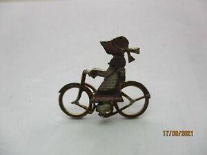 VICTORIAN GIRL ON BICYCLE PUSH BIKE OLD VINTAGE ENAMEL METAL PIN BADGE 99p
