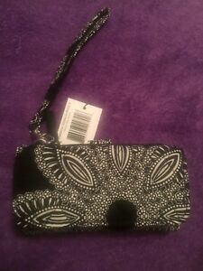 Vera Bradley Smartphone Wristlet For Iphone 6 Blanco Bouquet NWT Free Shipping