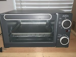 Sunbeam Countertop 4-Slice Toaster Oven  14 inches x 8 x 8 NEW No Box