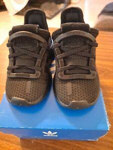adidas Little Boys U_Path Run Triple Black Core Sneakers  G28118  Size 5K