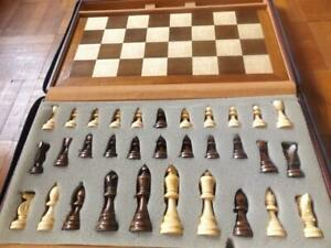 VINTAGE WOODEN CHESS and BACKGAMMOM in BOX