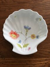 MIKASA JUST FLOWERS Shell Shaped Dish EUC DISCONTINUED A4-182