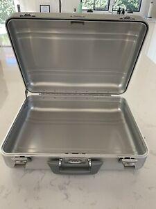 zero halliburton aluminum briefcase barely used!