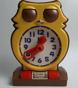 Vintage Working Owl Answer Learning Clock by TOMY Plastic 1970s Time Education