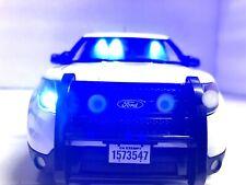 WHITE Unmarked Police Interceptor FBI CIA  1/18 WORKING BLUE Lights 4 Tone SIREN