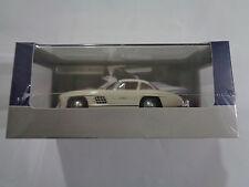 DeAgostini 1:43 DIE-CAST Mercedes-Benz 300 SL. incluye 6 página hecho de archivo.
