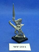 *Warhammer Fantasy - Dark Elves - Classic Witch - Metal WF31