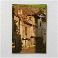 St-Cirq-Lapopie Premier village de France Postcard (P373)