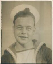 Photo Royal Navy Sailor Studio Portrait post war late 1940's