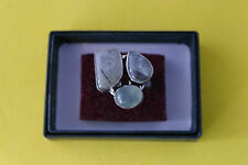 Beautiful 925 Silver Ring With Green Agate Gems Size N 2.2 x 2.2 Wide 7.2 Gr.