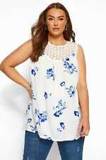 Yours Clothing Women's Plus Size & Sleeveless Floral Crochet Top