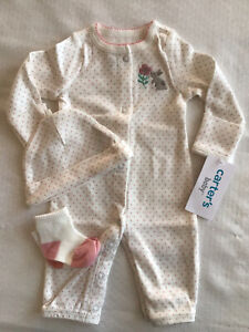 Preemie baby girl 3 pc Carter's converter gown, hat & socks  delicate embroidery