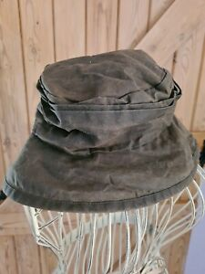 Barbour Womens Rain Hat, Waxed, Green, size  L