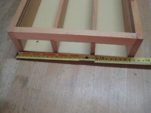 Kibri Holz Vitrine 104 cm x 27,5 cm  mit 3 Böden 5 cm tief und Glasschiebetüren