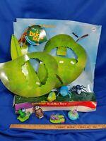 1998 Disney Pixar a Bug's Life Movie McDonald's Happy Meal Store Display Toys