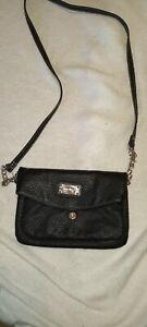 Nine West Black Pebbled Crossbody Or Wristlet Shoulder Bag Purse Small